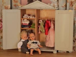 Puppenschränkchen