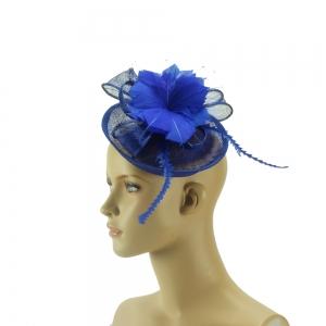 Hütchen - blau mit Federn