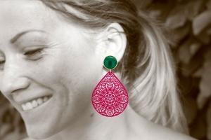 Ornamenttropfen in fuchsia mit dunkelgrün - Ohrclips