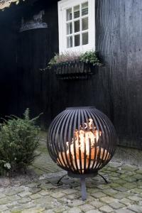Feuerball - Feuerkorb in Kugelform