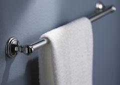 klassischer, langer Handtuchhalter